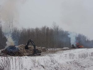 Neechi Resources Ltd - Pipeline row clearing